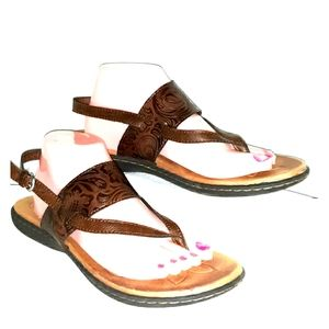 Boc sandals size womans 11